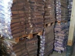 Дрова(обрезки)березовые сухие влажность 8-15%, в упаковке.