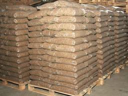 Пеллеты древесные в пакетах по 15 kg Holzpellets in Packung
