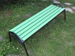 Скамейка «Эпик» пластиковая с металическим основаниемв
