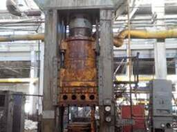 Hydraulic press for plastics, force 1000t - photo 1